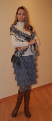 Una falda con volantes más una bufanda | SexyCrochet.COM