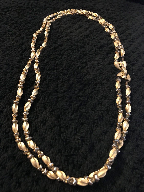 Crown Trifari Gold Tone Doble Strand Twixted Metal Beads