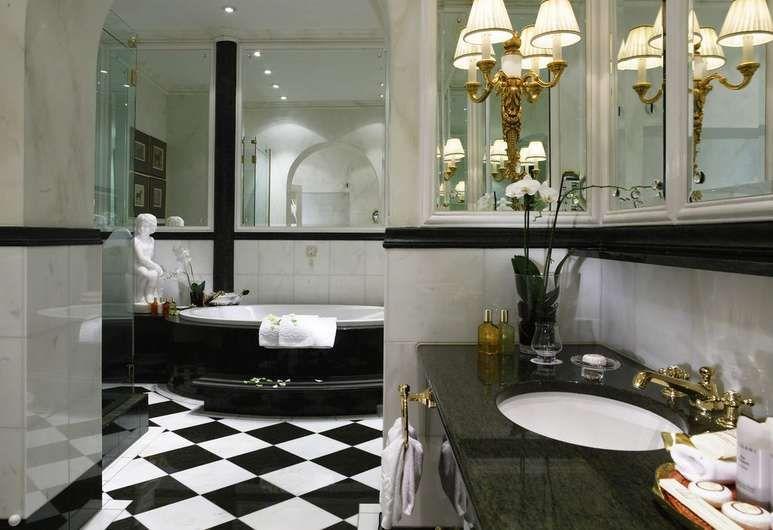 Hotel Sacher Wien Vienna Bathroom Kylpyhuone