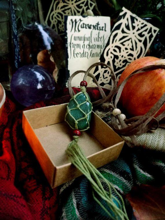 AVVENTURINE NECKLACE for heart chakra balancing by Marantul