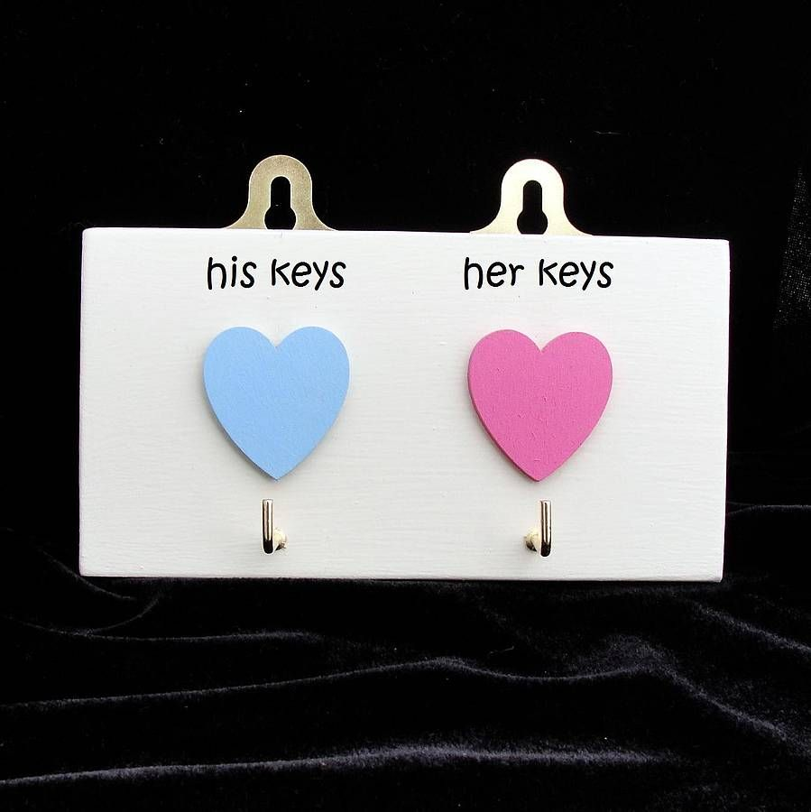 A delightful key hook with wooden hearts.  £16.00