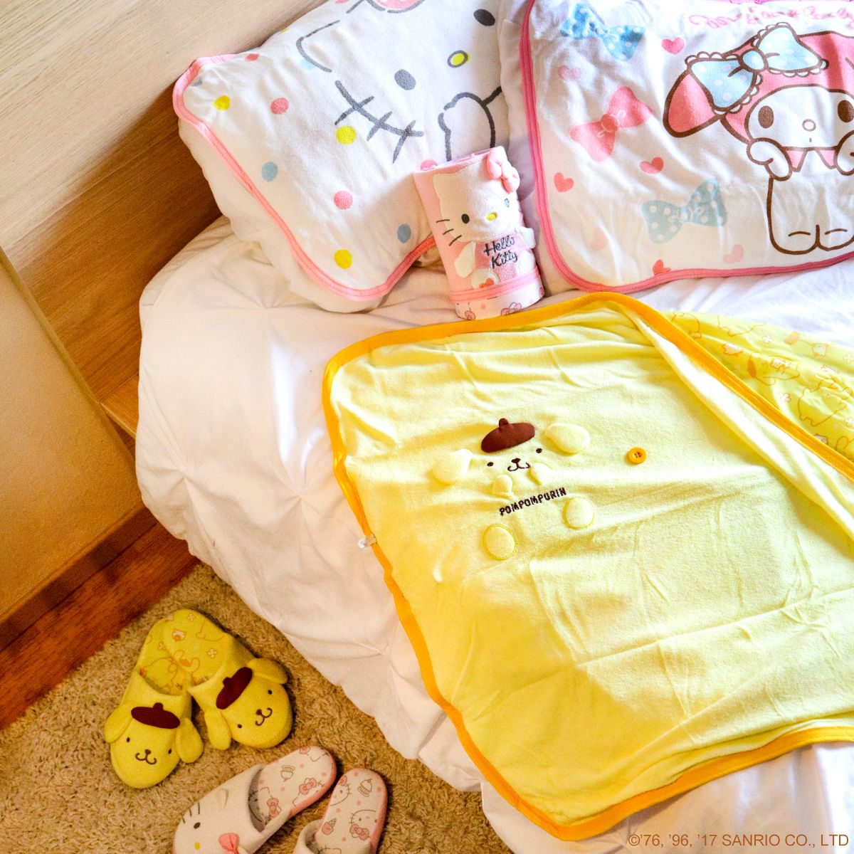stay cool this summer with our cooling blankets and pillows home sweet home sanrio hello. Black Bedroom Furniture Sets. Home Design Ideas