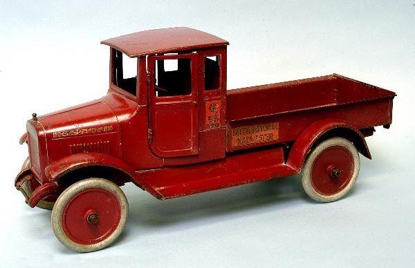 Vintage Toys Tin Toy Robots