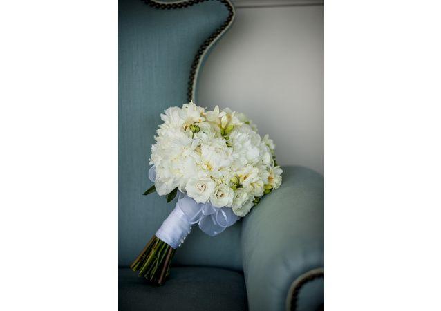 LA Wedding Planner Wayne Gurnick: wedding coordination at Bel Air Bay Club Photography: Viera Photographics Flowers: Blossom Floral