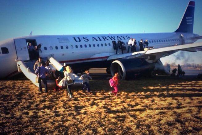 Noticias al momento: Pasajeros de un avión vivieron momentos de pánico