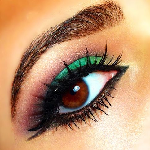 Play with #colors & shades for a new 'YOU'.  #eyeshadow #makeup #eyeliner