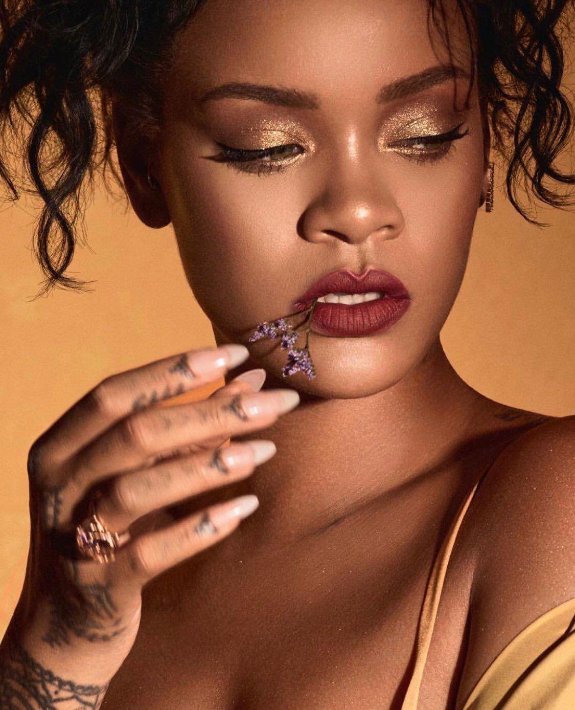 Pinterest KarinaCamerino (With images) Rihanna makeup