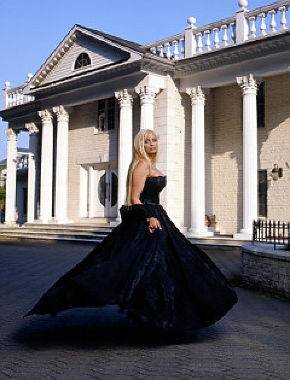 Mafia Princess Victoria Gotti Facing Foreclosure On Long Island Mansion Long Island Mansion Princess Victoria Victoria