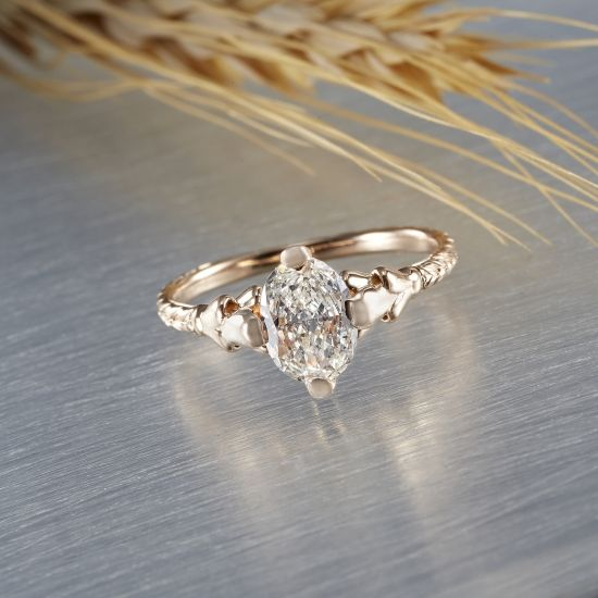 Super love this custom engagement ring by Salt + Stone