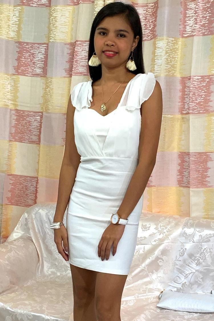 White Sleeveless Dress Very Short Simple Elegant Classy Short Dresses Trendy Dresses Trendy Dresses Formal [ 1125 x 750 Pixel ]
