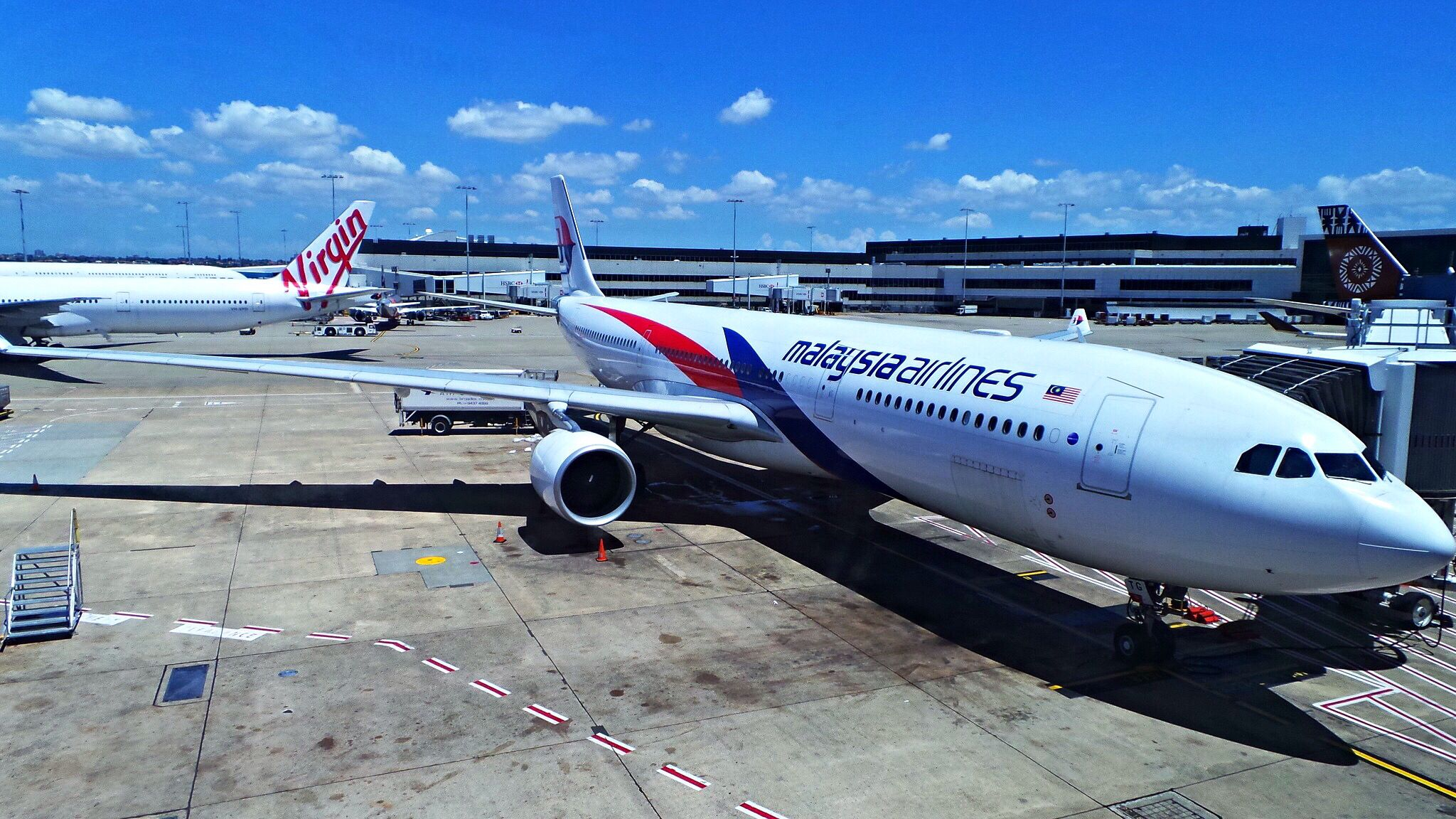 Malaysia Airlines in SYD Malaysia airlines, Airbus, Aviation