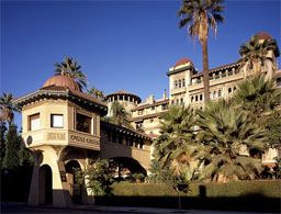 Castle Green Victorian Era Hotel Transformed Into Individual Residences In The 20 S Hotels Pasadena