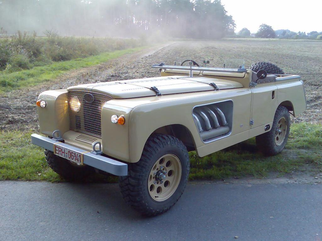 "Bell Aurens Longnose - a custom Land Rover ""off roadster"""