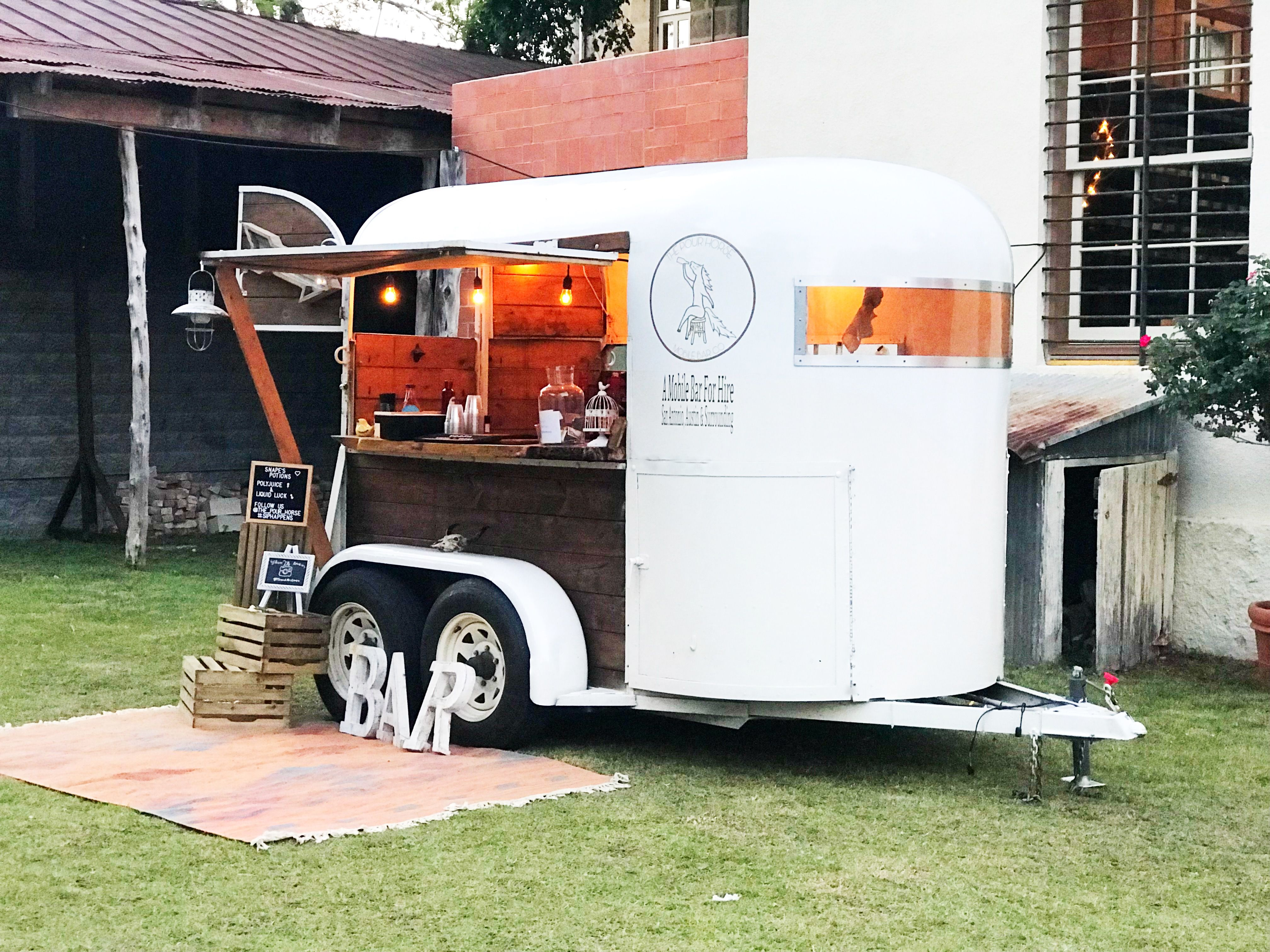 The Pour Horse, Mobile Bar Co located in Texas. Mobile Bar ...