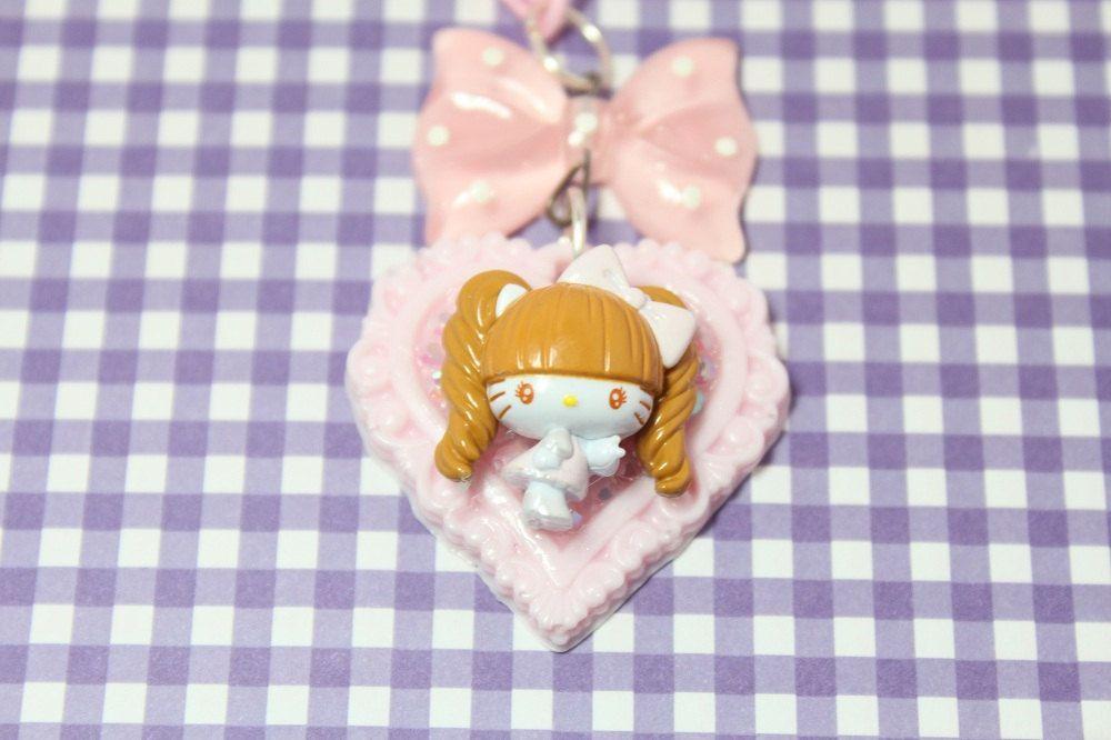Hello Kitty x Nozomi Tsuji Cameo Necklace