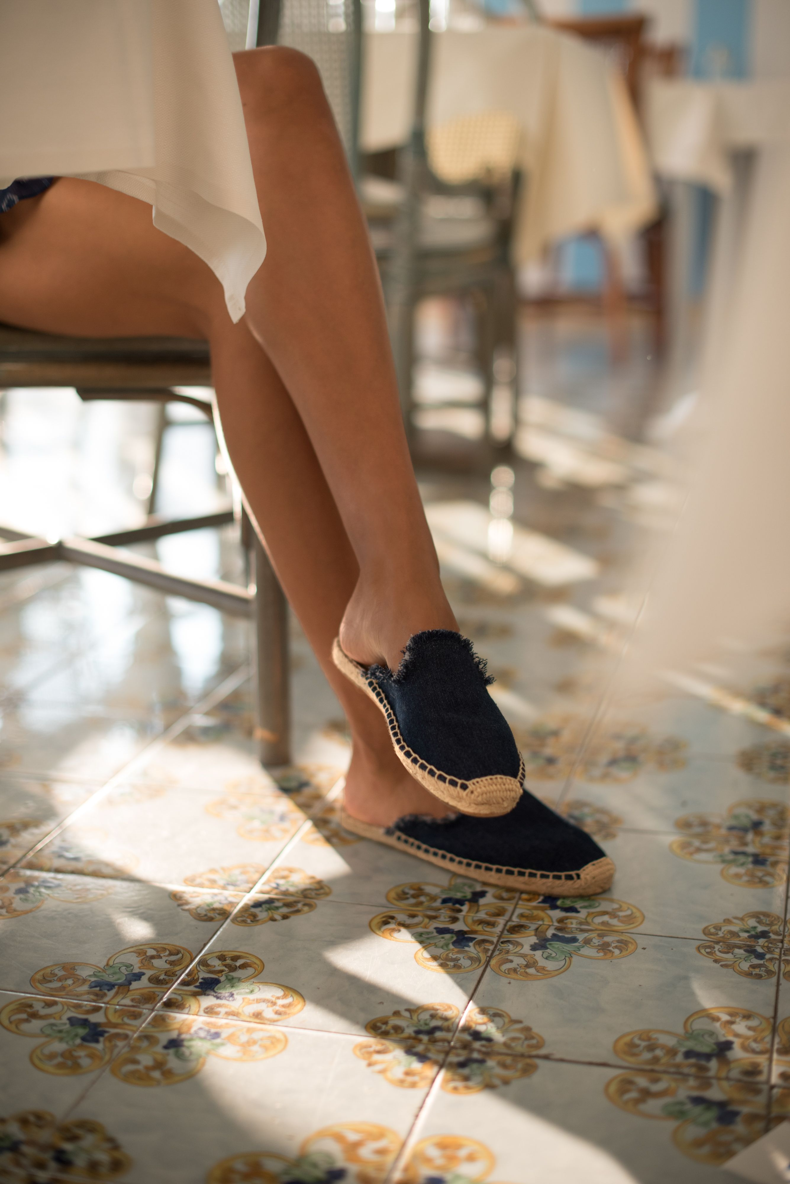 9c55583d353 Sincerely Jules wearing the Soludos frayed mule espadrille in Ischia ...
