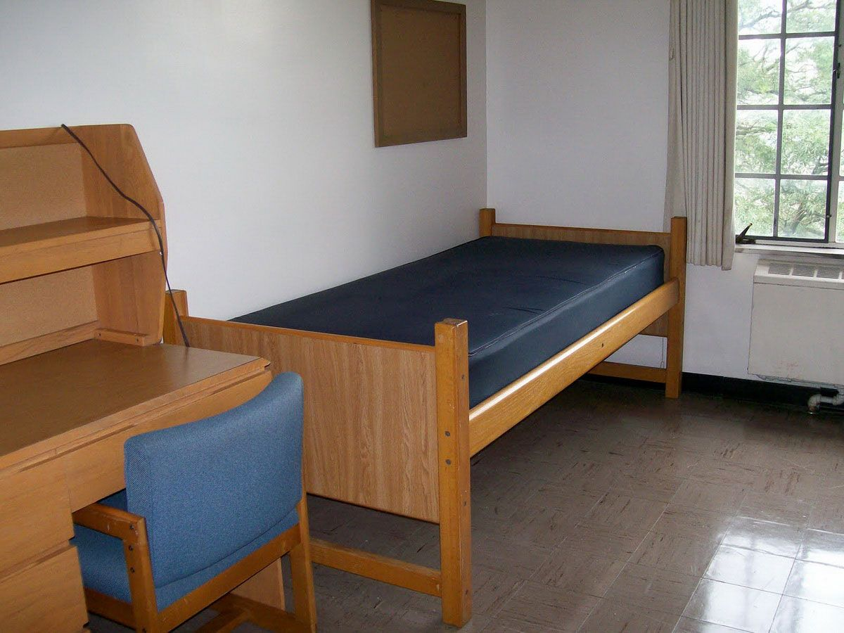 This is an empty dorm