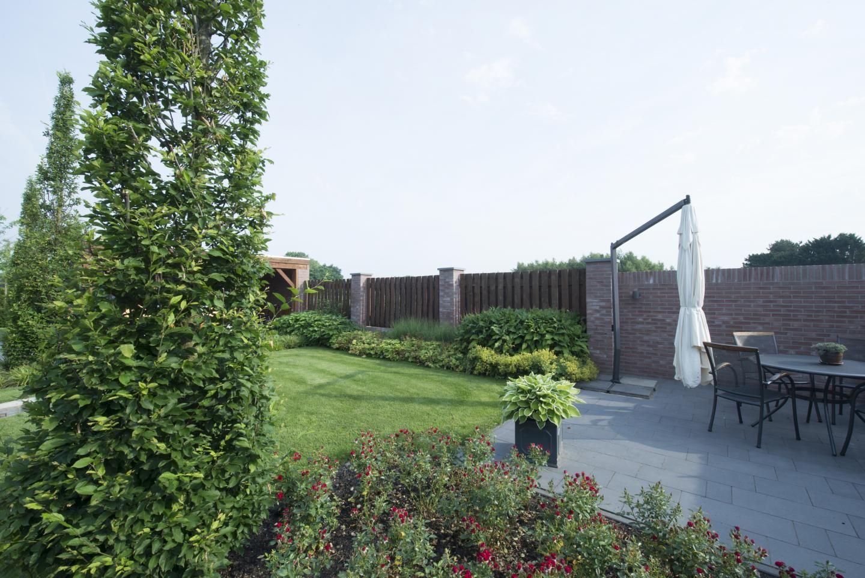 Onderhoudsvriendelijke tuin   verrijkt met elementen uit het omliggende landschap