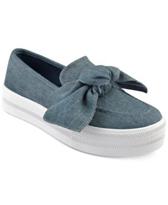 5c483ddbb752c G by Guess Chippy Bow Sneakers | Feet | Shoes sneakers, Sneakers ...