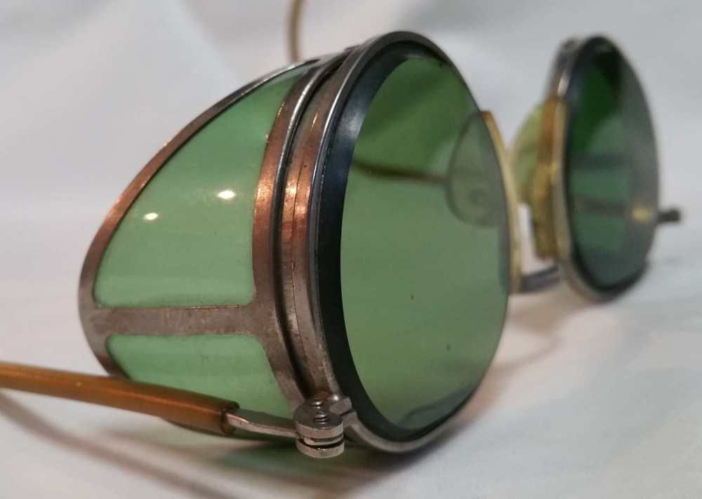 76ead733e7a Up for sale is a circa 1940 s CESCO Safety Welding Motorcycle Steampunk  Green Sun Glasses. They are model Cesco 24. Backwards folding.