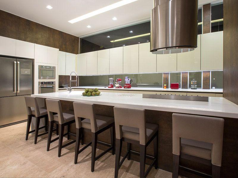 Una Lujosa Vivienda Por Dentro Y Por Fuera Cocinas De Lujo Casas Modernas Interiores Casas De Lujo