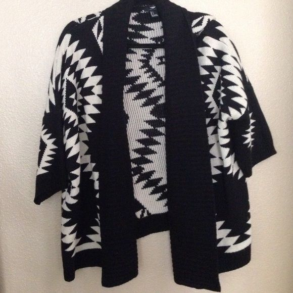 Tribal print cardigan Soft half sleeve cardigan. Oversized for a cute fall look! Very versatile. Perfect for layering! Perfect condition. Size SMALL Forever 21 Sweaters Cardigans