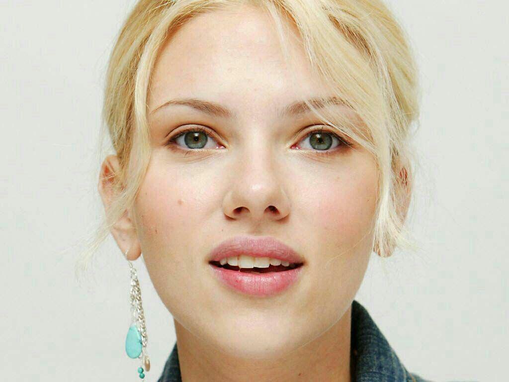 Scarlett Johansson Hot Movie Images with hot movie pics full hd