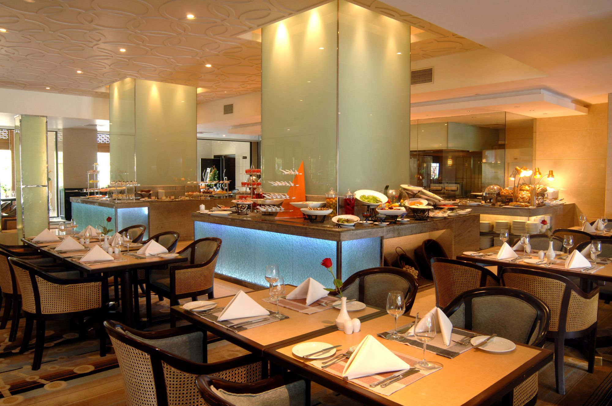 Dining Room Restaurant At 5 Star Hotel: Cinnamon Lakeside Hotel. This  Hotelu0027s Address Is: 115 Sir Chittampalam, A.Gardiner Mawatha Colombo World  Trade ...