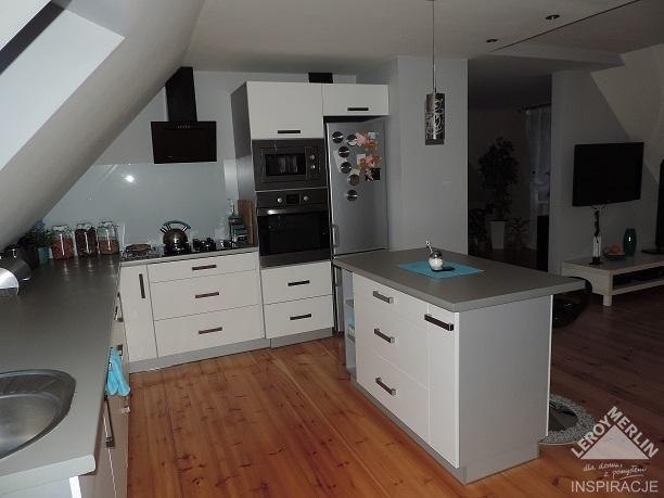 Maly Salon Kuchenny Z Wyspa Szukaj W Google Decor Home Decor Home