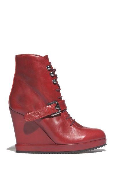 Neo Buckle Ankle Boots. Color: SHINY BORDEAUX