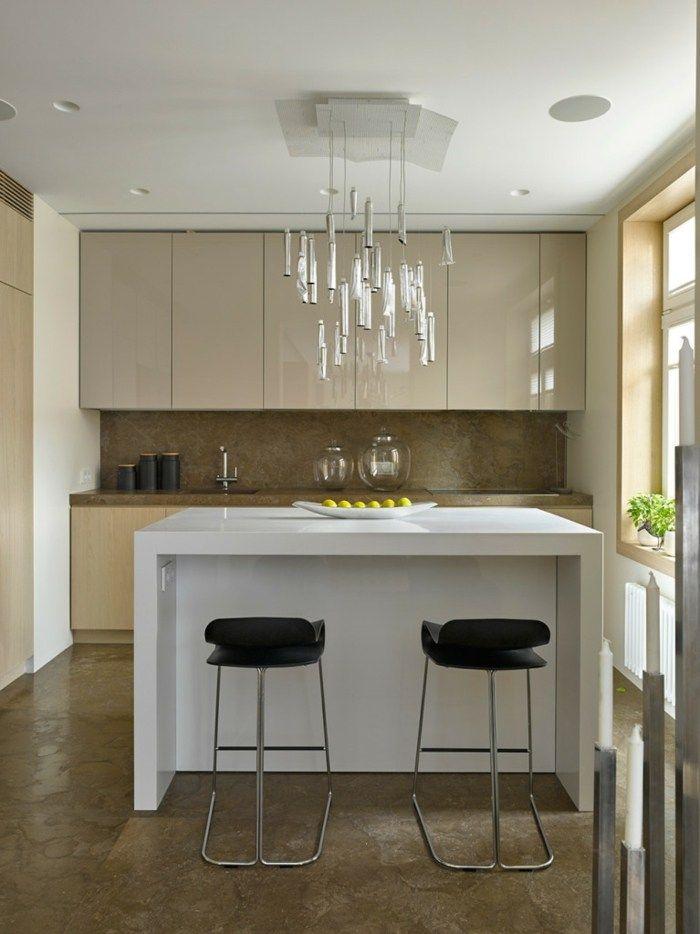 Moderne Wohnung - Kleines Küchen Design aus modernem Hochglanz ...
