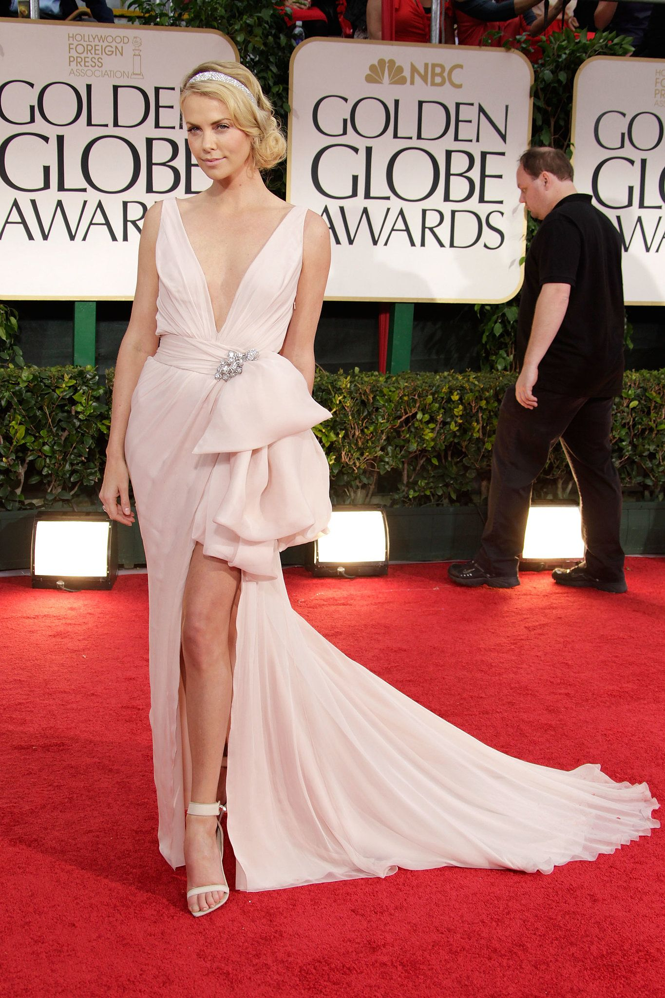 Roter Teppich Golden Globes 2015 Charlize Theron In Christian Dior Bei Den Golden Globes