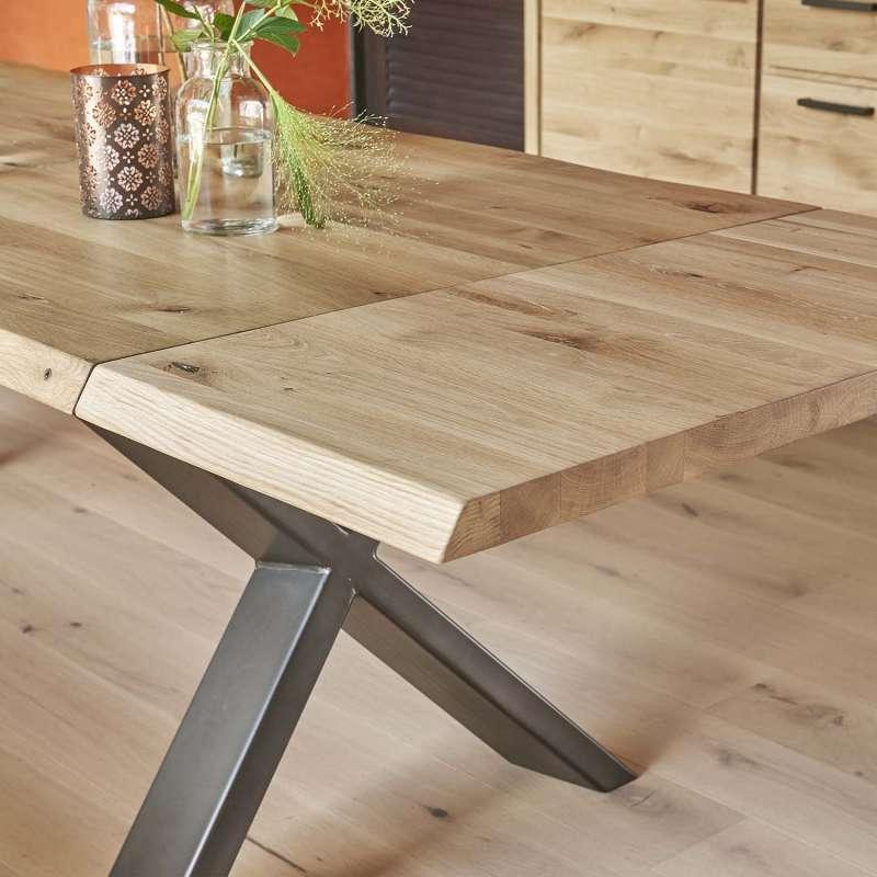 Table Extensible Rectangulaire En Chene Massif Et Metal Pieds En X Carte Table Salle A Manger Table De Salle A Manger Moderne Table Extensible Bois