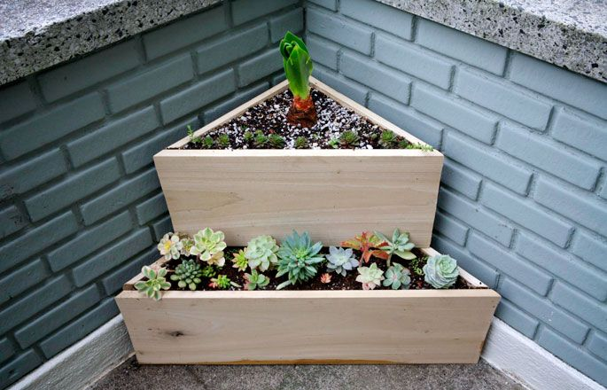 Plantgasm My New Two Tier Low Water Triangle Planter Planter Boxes Garden Boxes Tiered Planter