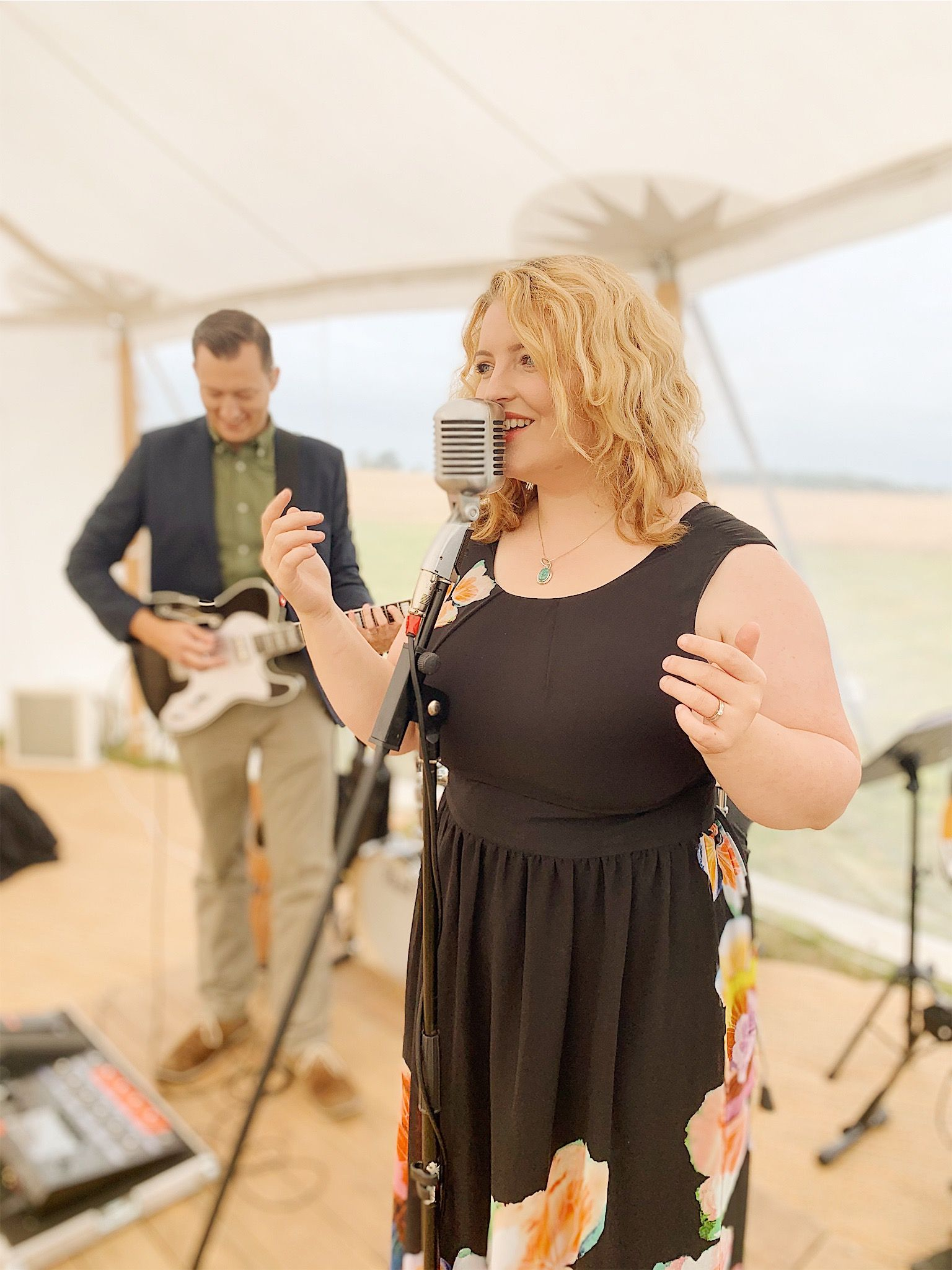 A romantic acoustic duo for your wedding ceremony