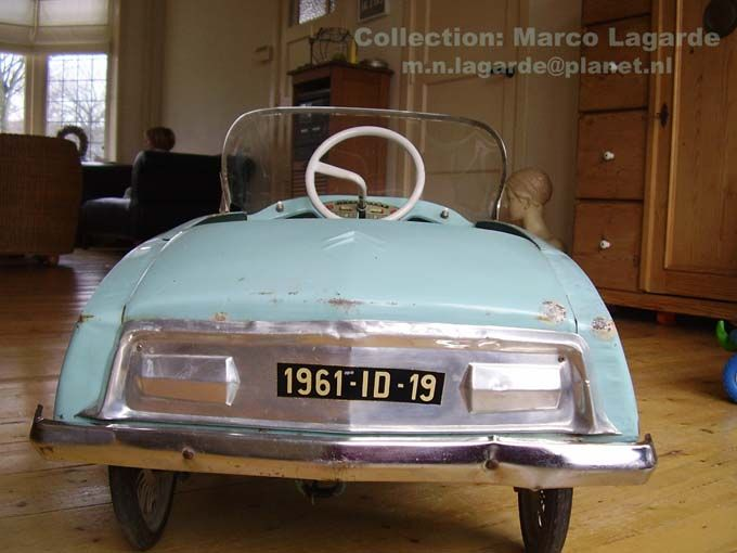 citroen id tri ang 1961 pedal car voiture p dales made in france citroen ds cars for kids. Black Bedroom Furniture Sets. Home Design Ideas