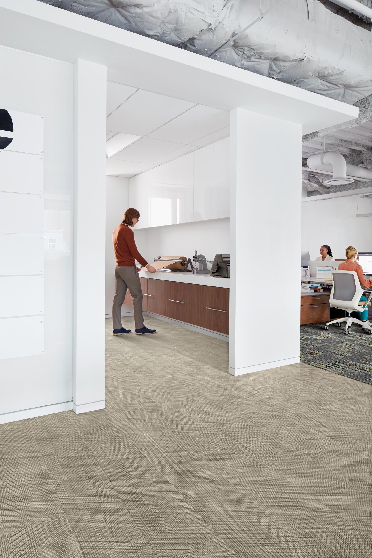 DRAWN LINES SMOKEY QUARTZ Designer Carpet tiles from