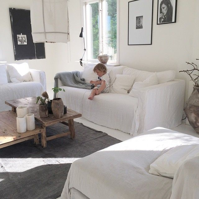 Lite sen på det med öppettiderna denna veckan (det va alldeles för skönt att va ledig igår), men idag är ni välkomna 16-20 #atelje18 #home #boho #bohem #boholyx #bohemian #bohemianhome #whitehome #whitefloors #whiteinterior #bemzdesign #ayilluminate #interior4all #interior_magasinet #finahem #plazainterior #taggadbild