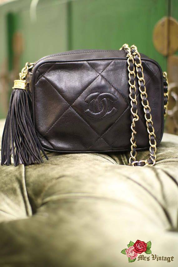 02fa426057 Très joli sac rare vintage de chez Chanel des années 70 en très bon état |  Sac chaîne | Sac, Chanel, Vendanges