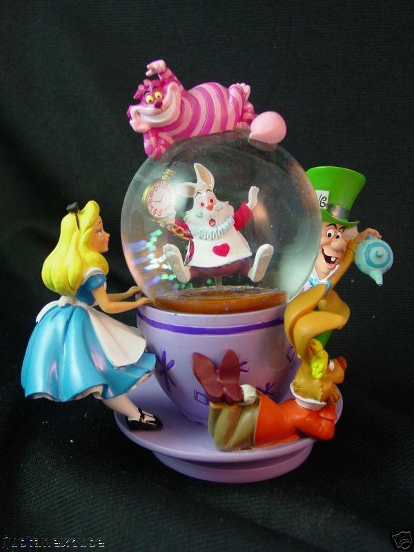 Alice In Wonderland Mad Hatter Ebay Snow Globes Alice In Wonderland Disney Snowglobes