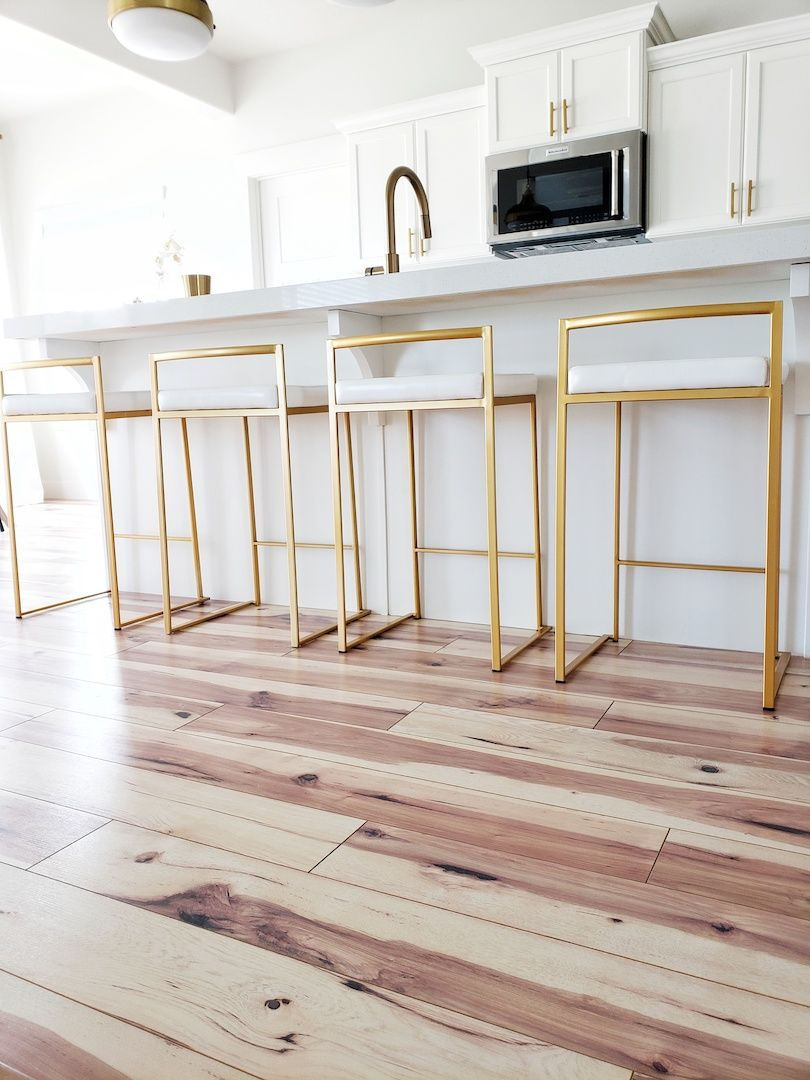 Kitchen Update Bar Stool Edition White Lane Decor Trendy Farmhouse Kitchen Gold Kitchen Faucet Rustic Kitchen Design
