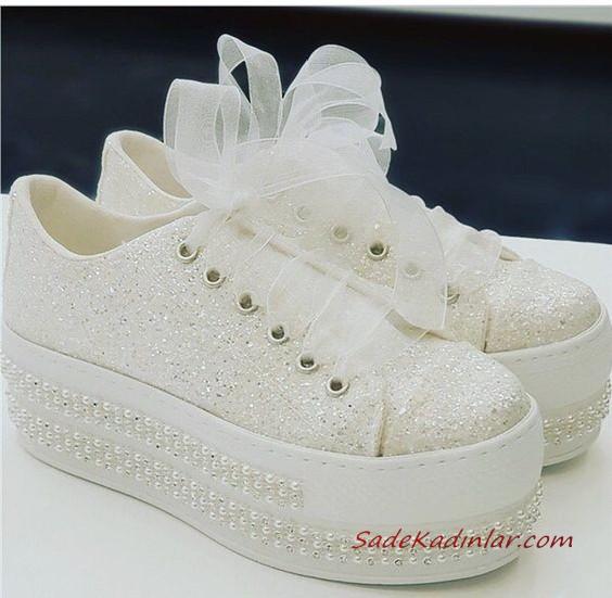 2020 Gelin Spor Ayakkabi Modelleri Beyaz Dolgu Topuklu Tasli Ve Incili Gelin Ayakkabisi Topuklular Gelinlik Ayakkabilari