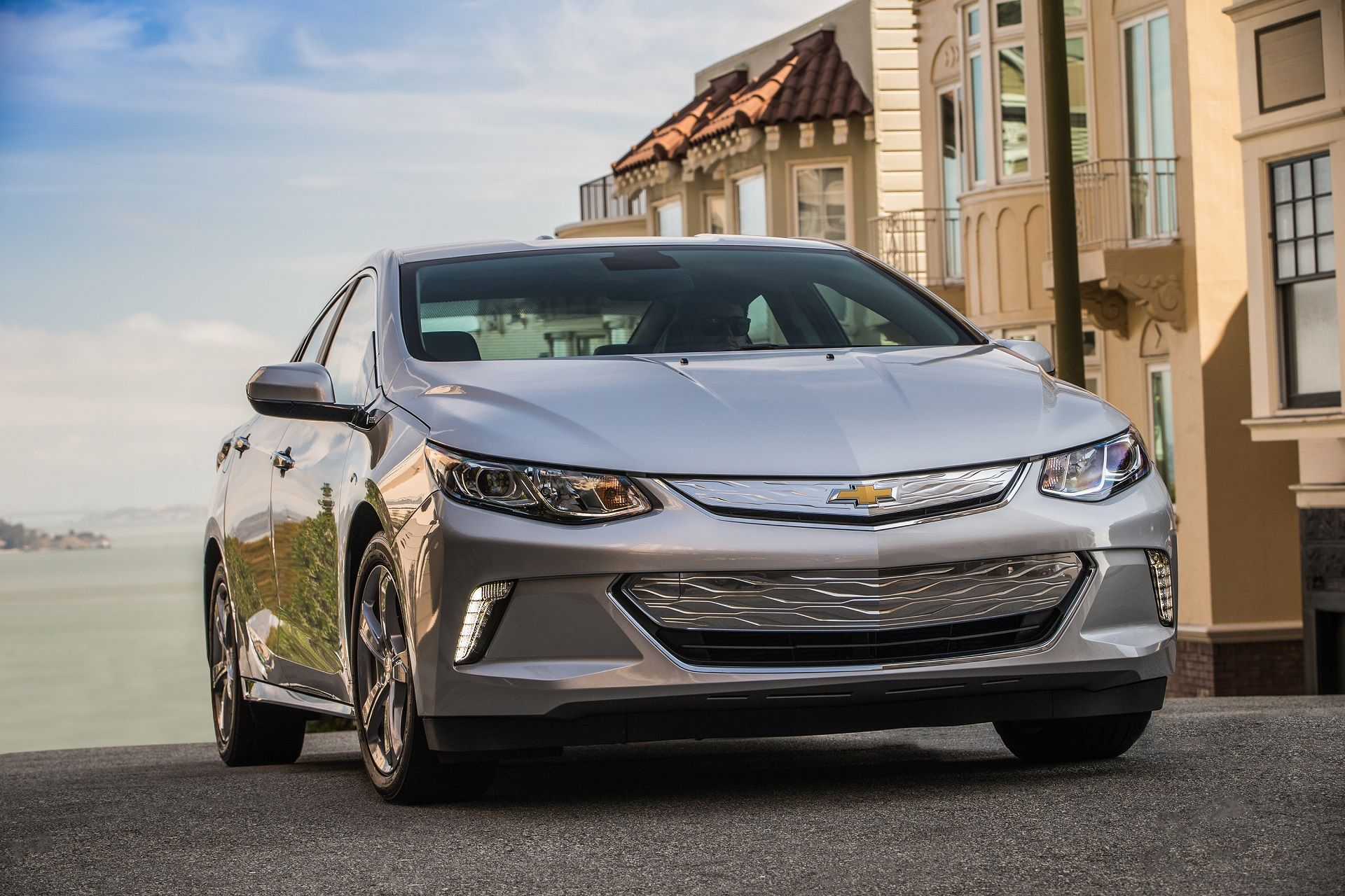The 2017 Chevy Volt offers excellent fuel efficiency and refined
