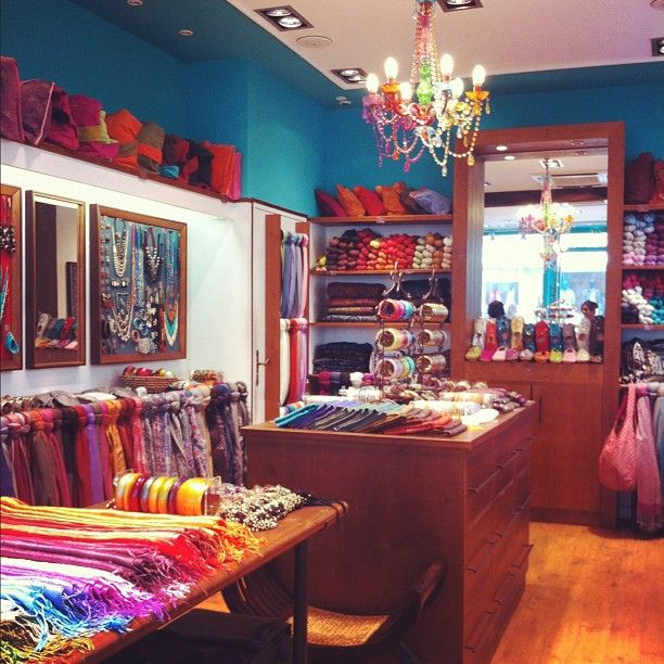 Diwali - babouches, foulards, bijoux   Nos boutiques Diwali Paris ... 19b7a59ebad