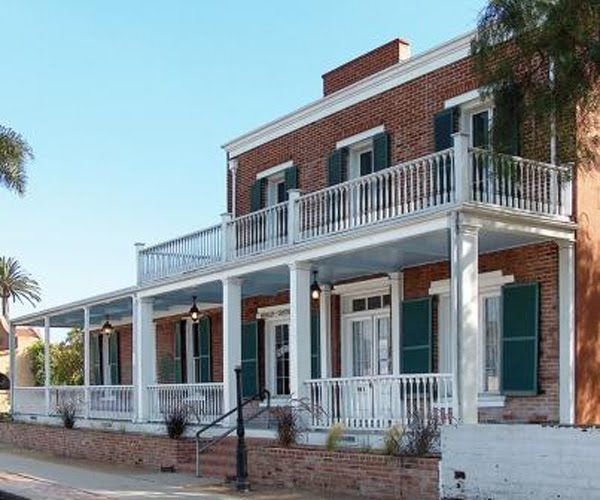 located in san diego california the whaley house has earned the rh pinterest com Creepy Old Haunted Houses Inside Most Haunted States in America