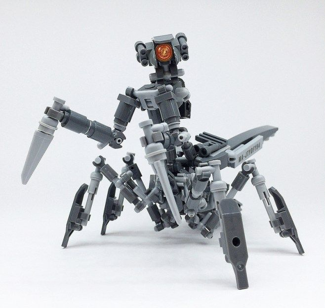 LEGO Mech Mantis-10