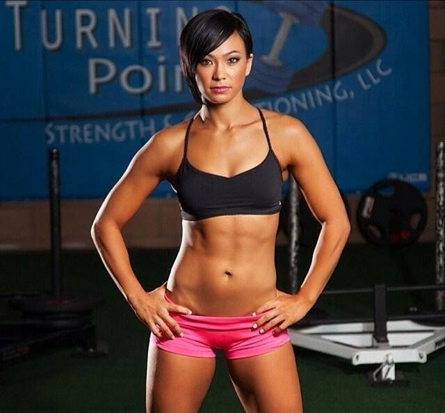 Michelle Waterson With Images Mma Women Female Athletes