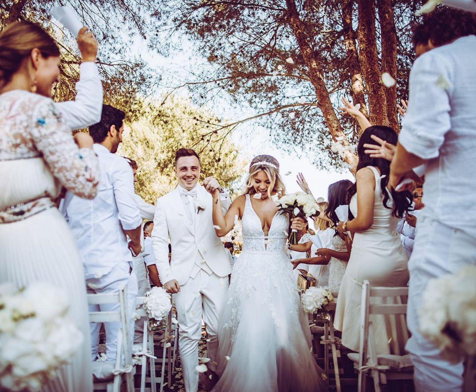 Dagy Bee in einem Brautkleid der Designerin Alessandra Rinaudo aus