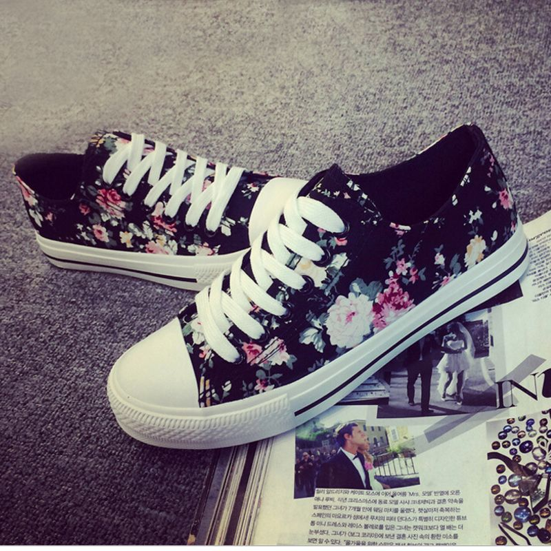 2016 women floral canvas shoes black color lace up all match street footwear  girl teenage shoe