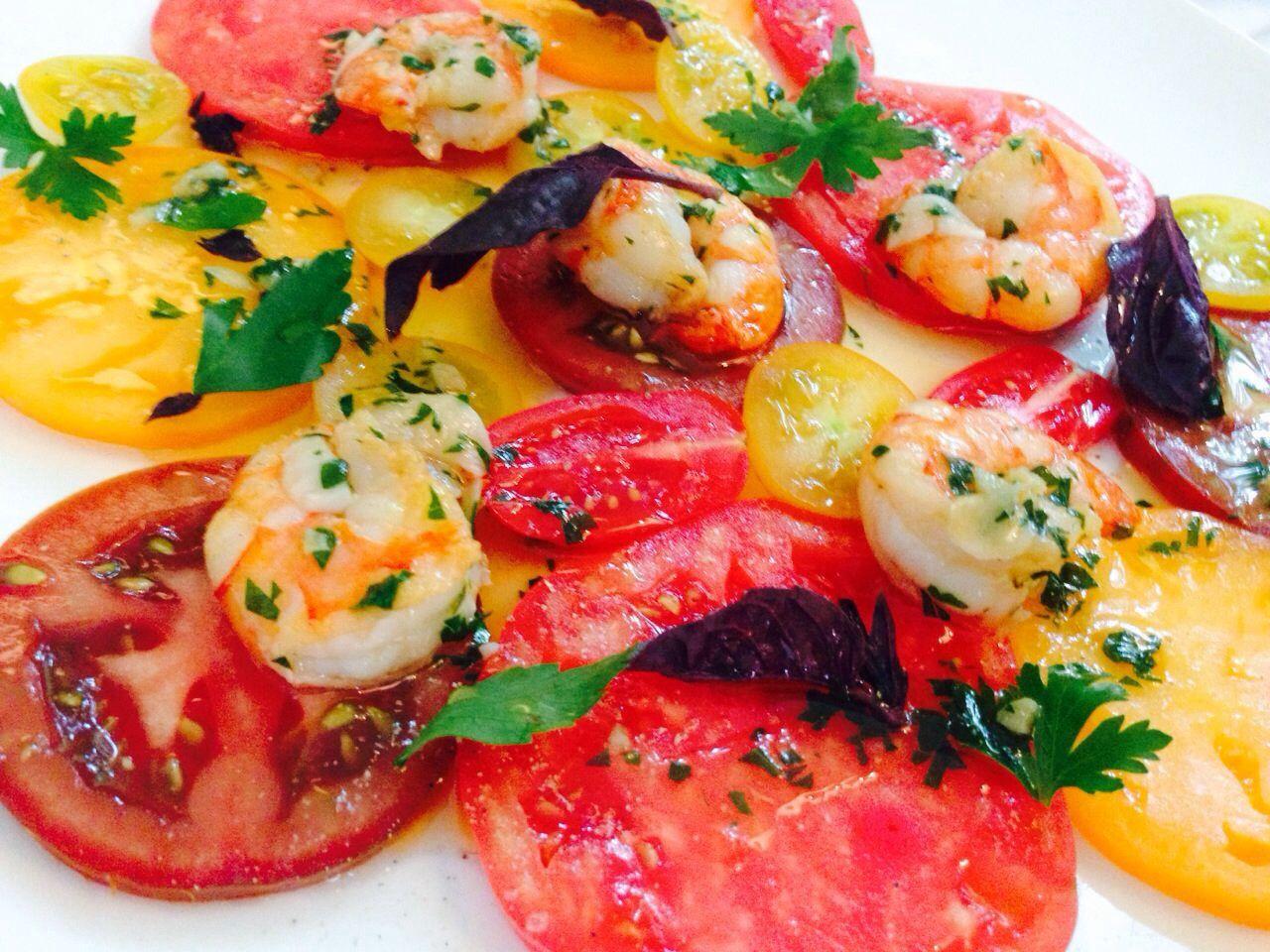 Карпаччо из микса томатов с креветками!)